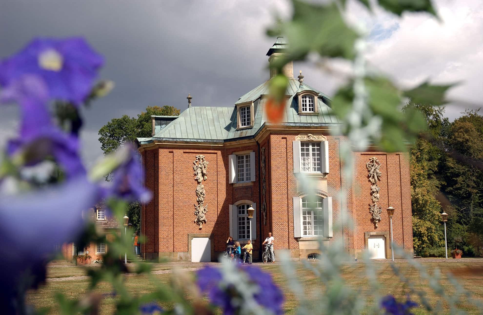 Familotel Gut Landegge Umgebung Schloss Clemenswerth Perle des Emslandes