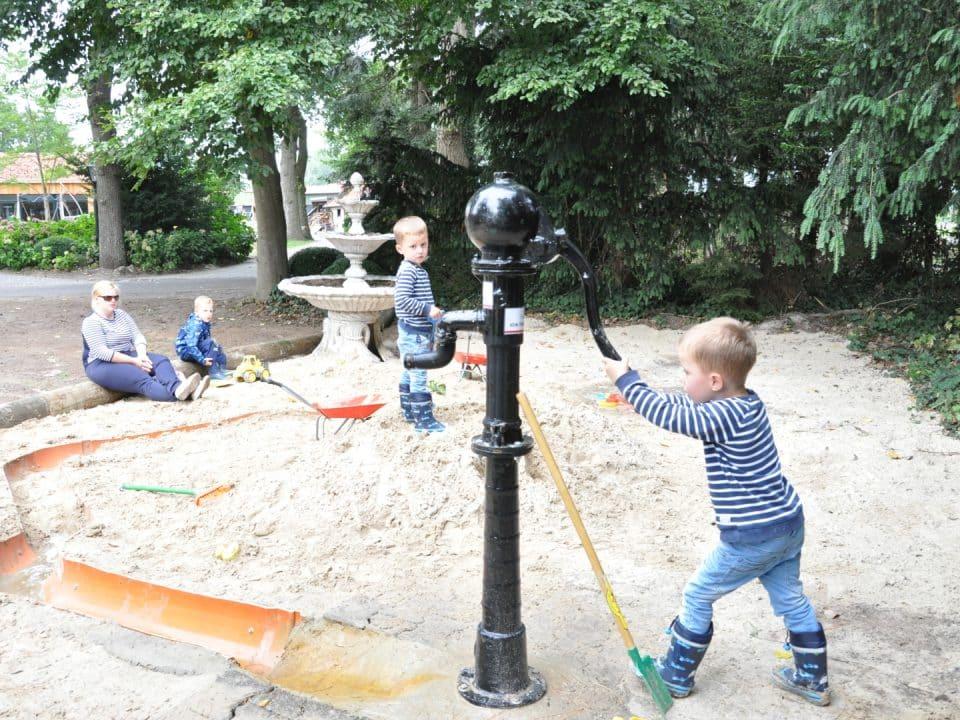 Gut Landegge Familotel Emsland Matschspielplatz Wasserspielplatz Familienhotel