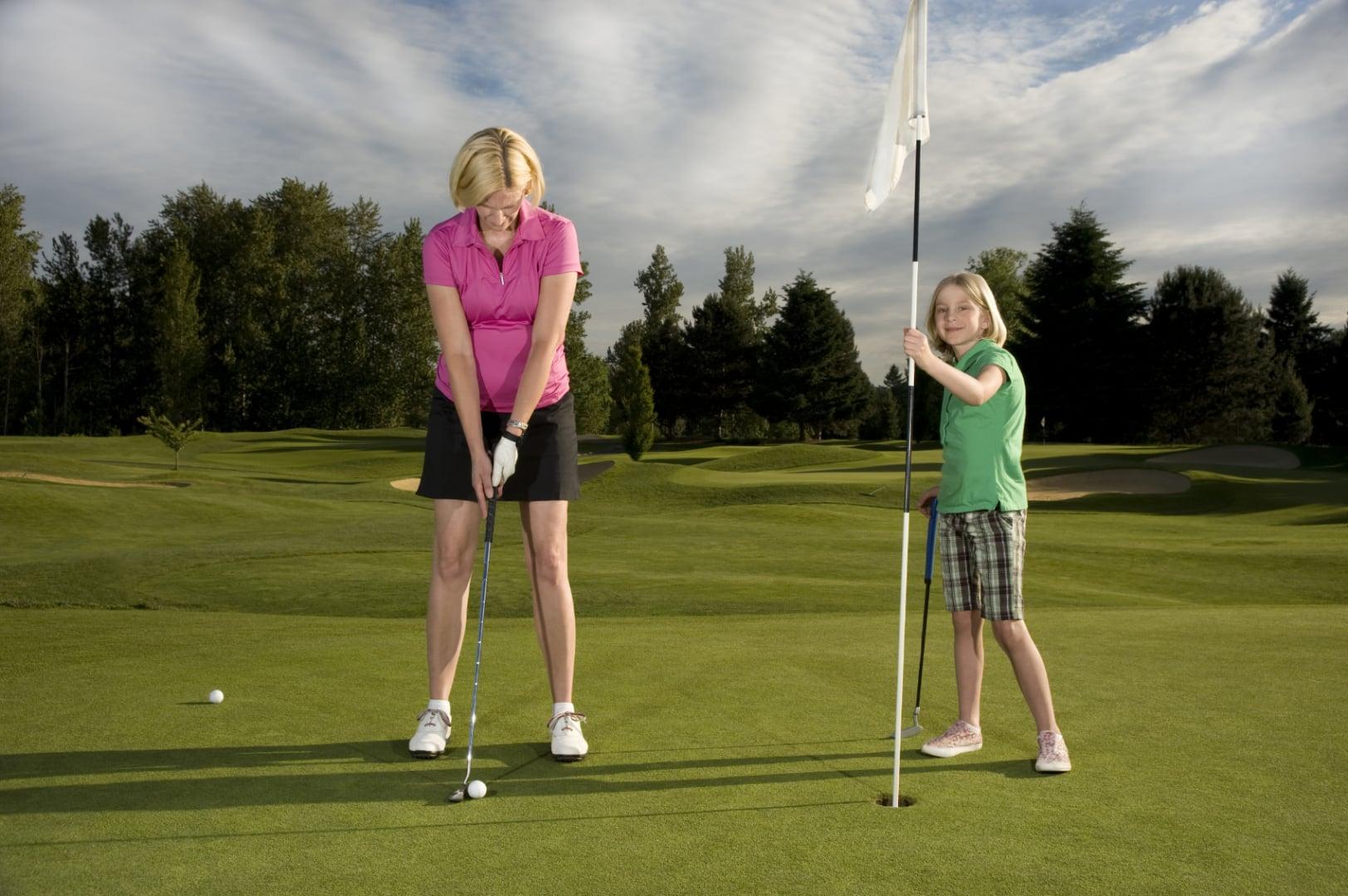 Golf Familienurlaub Gut Landegge Emsland Golfspielen